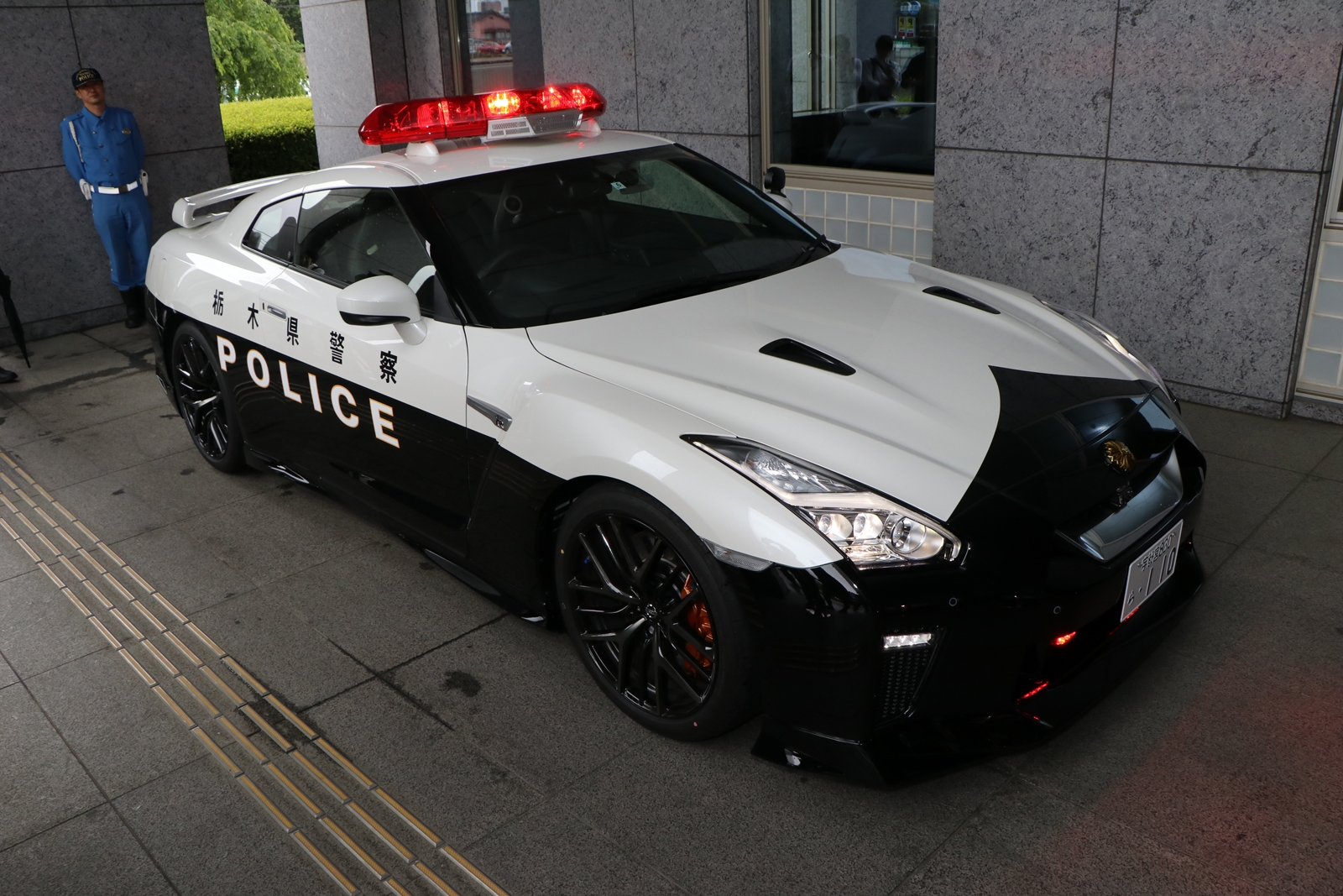 japan just put an r35 nissan gtr police car into service news. Black Bedroom Furniture Sets. Home Design Ideas