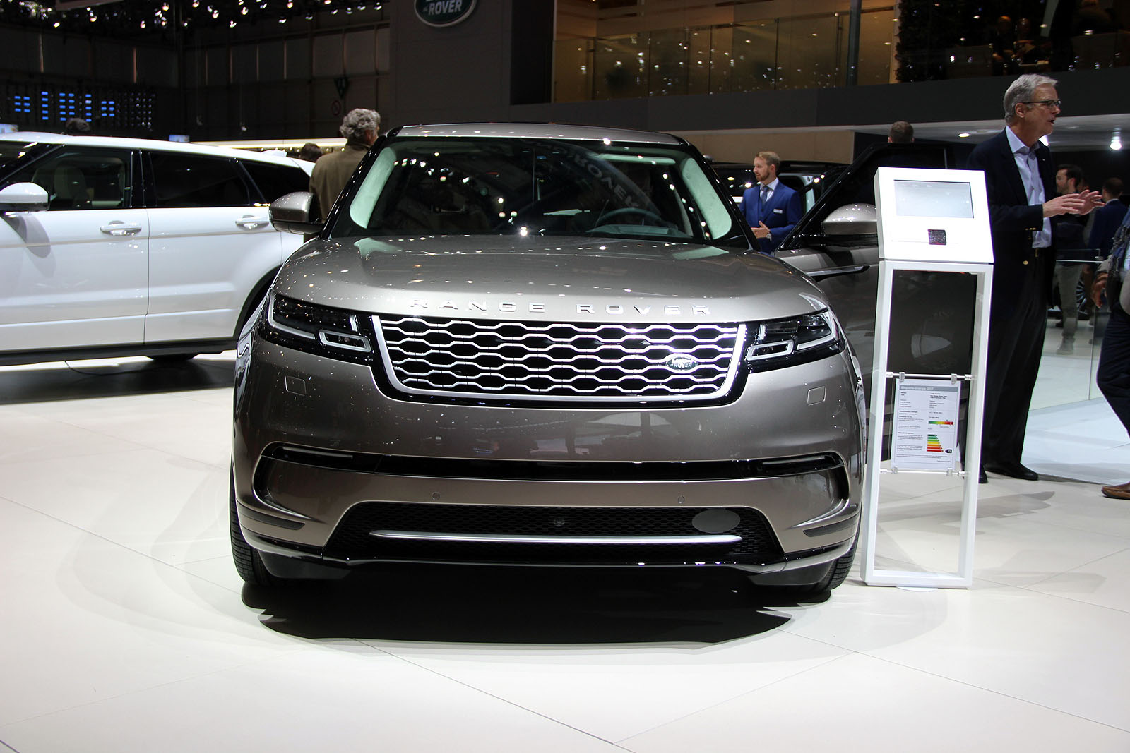 2018 land rover cost.  cost 2018 range rover velar05 to land rover cost