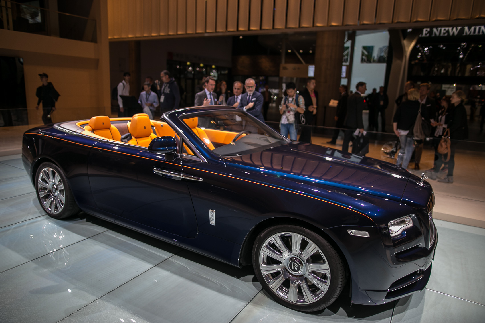 Rolls-Royce Dawn is the Quietest Open-Top Car Ever Made