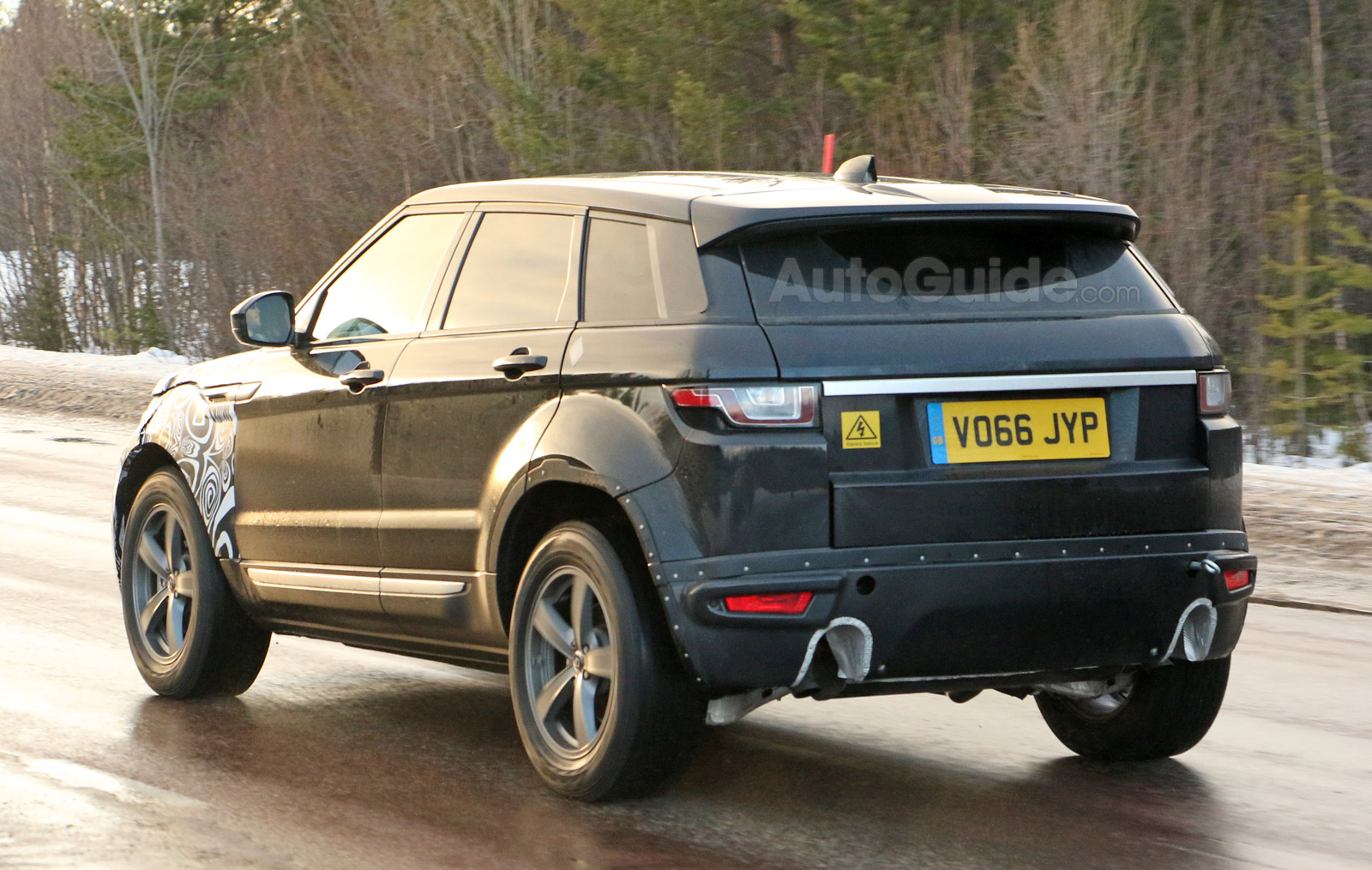 Second Generation Range Rover Evoque Mule Spy Photos