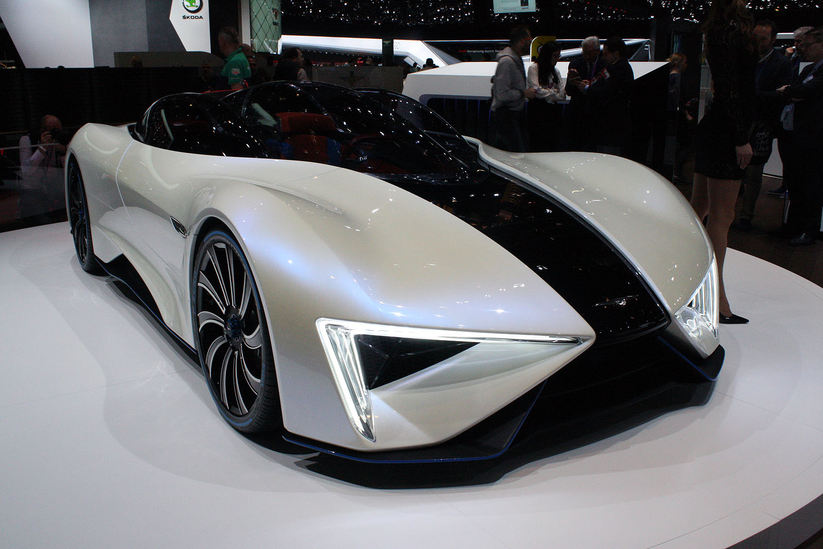 this techrules ren supercar from china has 1287 hp. Black Bedroom Furniture Sets. Home Design Ideas