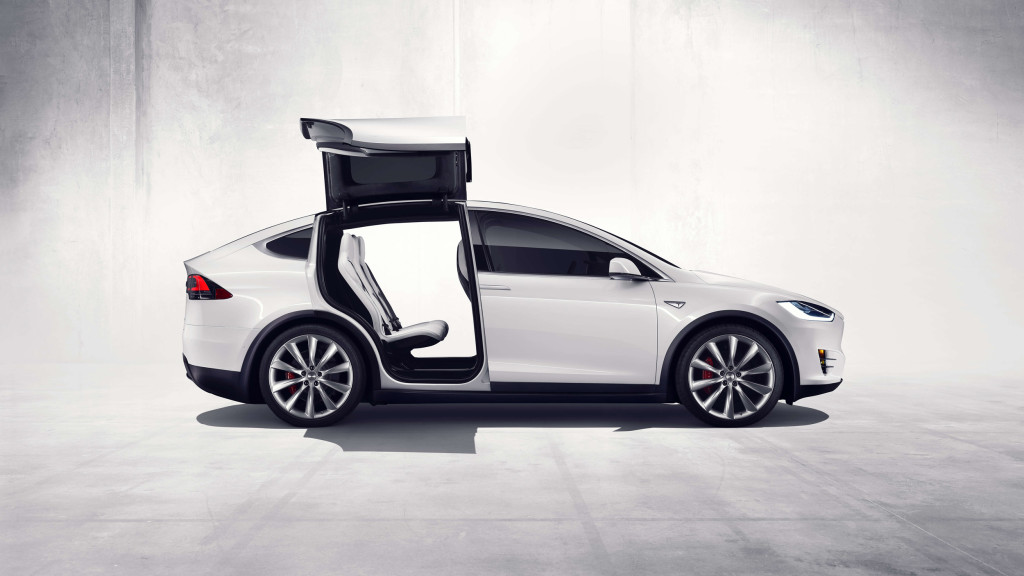 Early Tesla Model X Owners Experiencing Quality Issues Autoguide