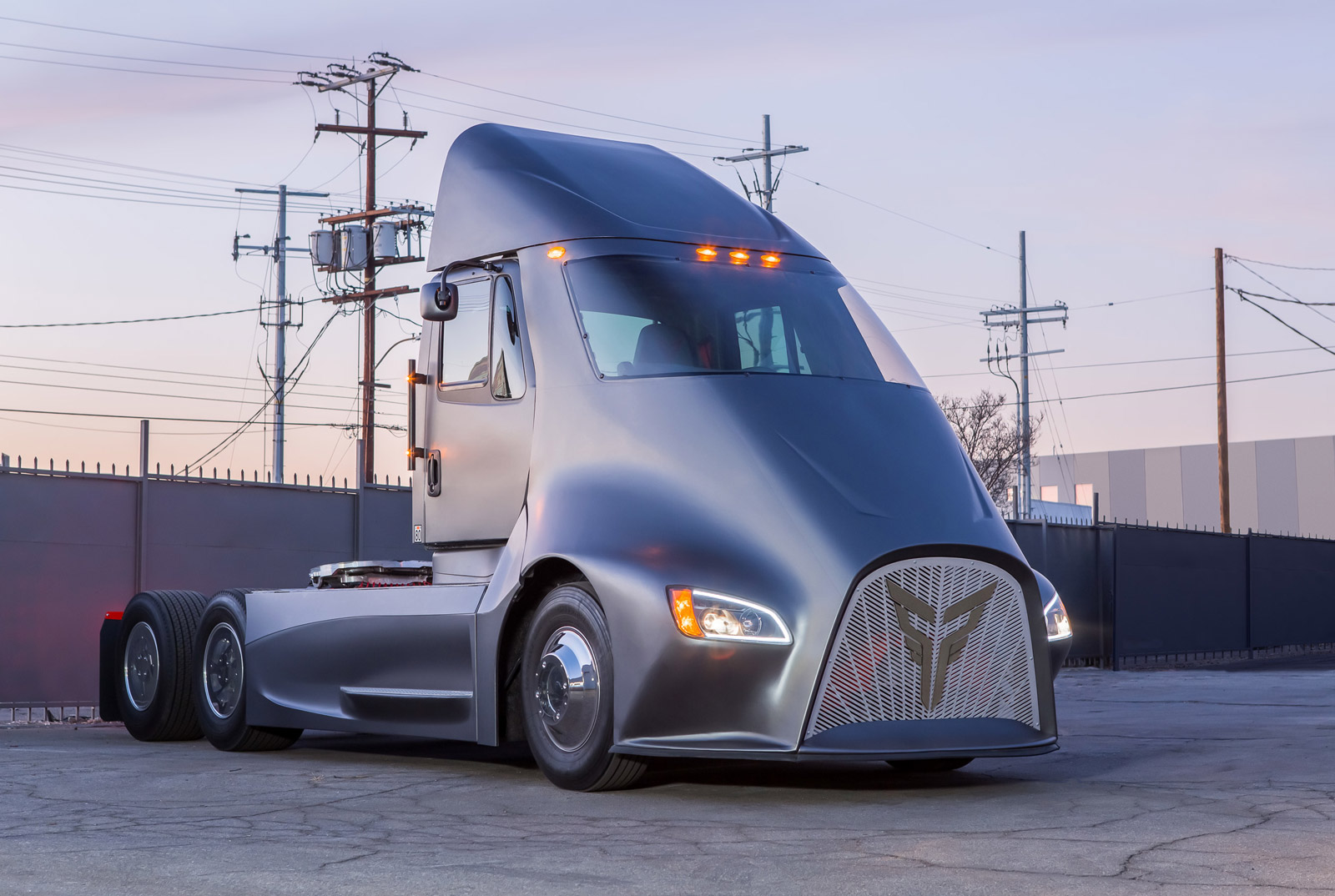 Here's Another Competitor to the Tesla Semi Truck ...