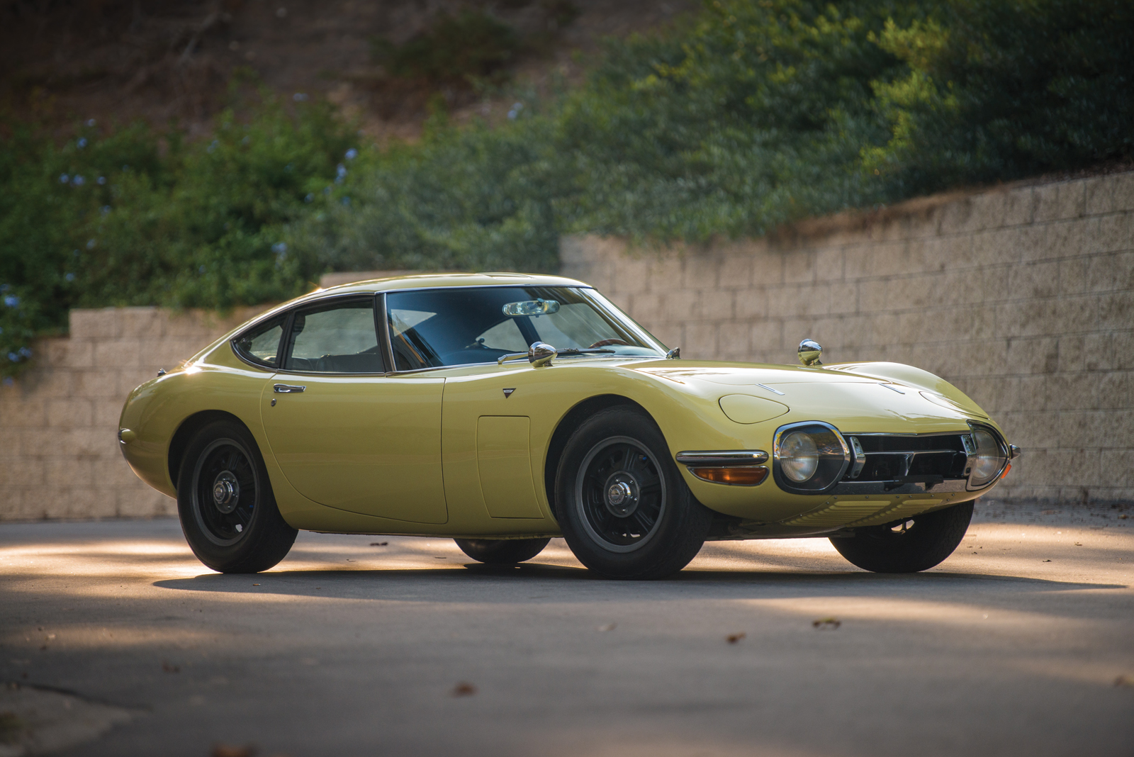This is Not a Drill: There's a Toyota 2000GT Heading to Auction ...
