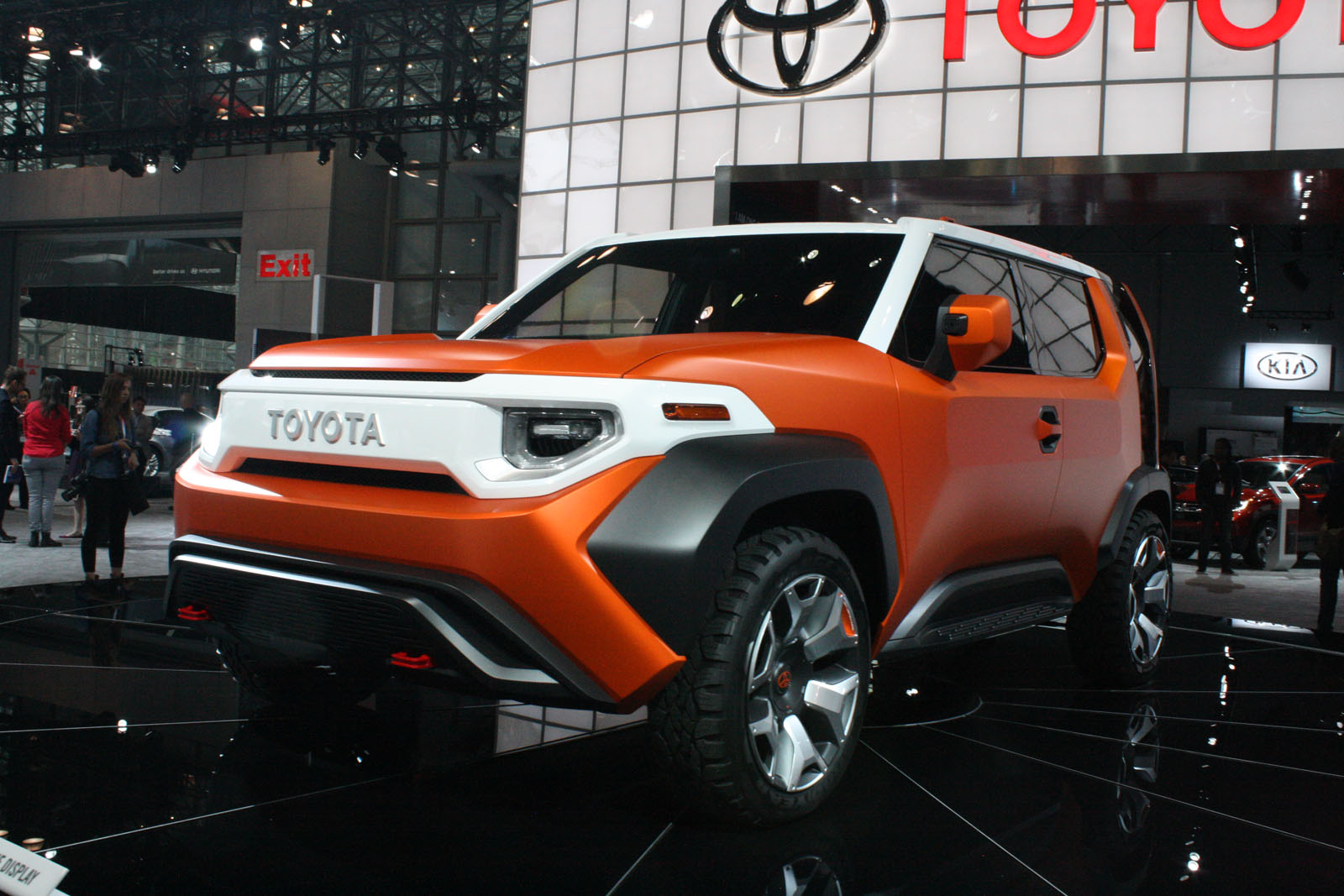 toyota tj cruiser could be brand 39 s next crossover news. Black Bedroom Furniture Sets. Home Design Ideas