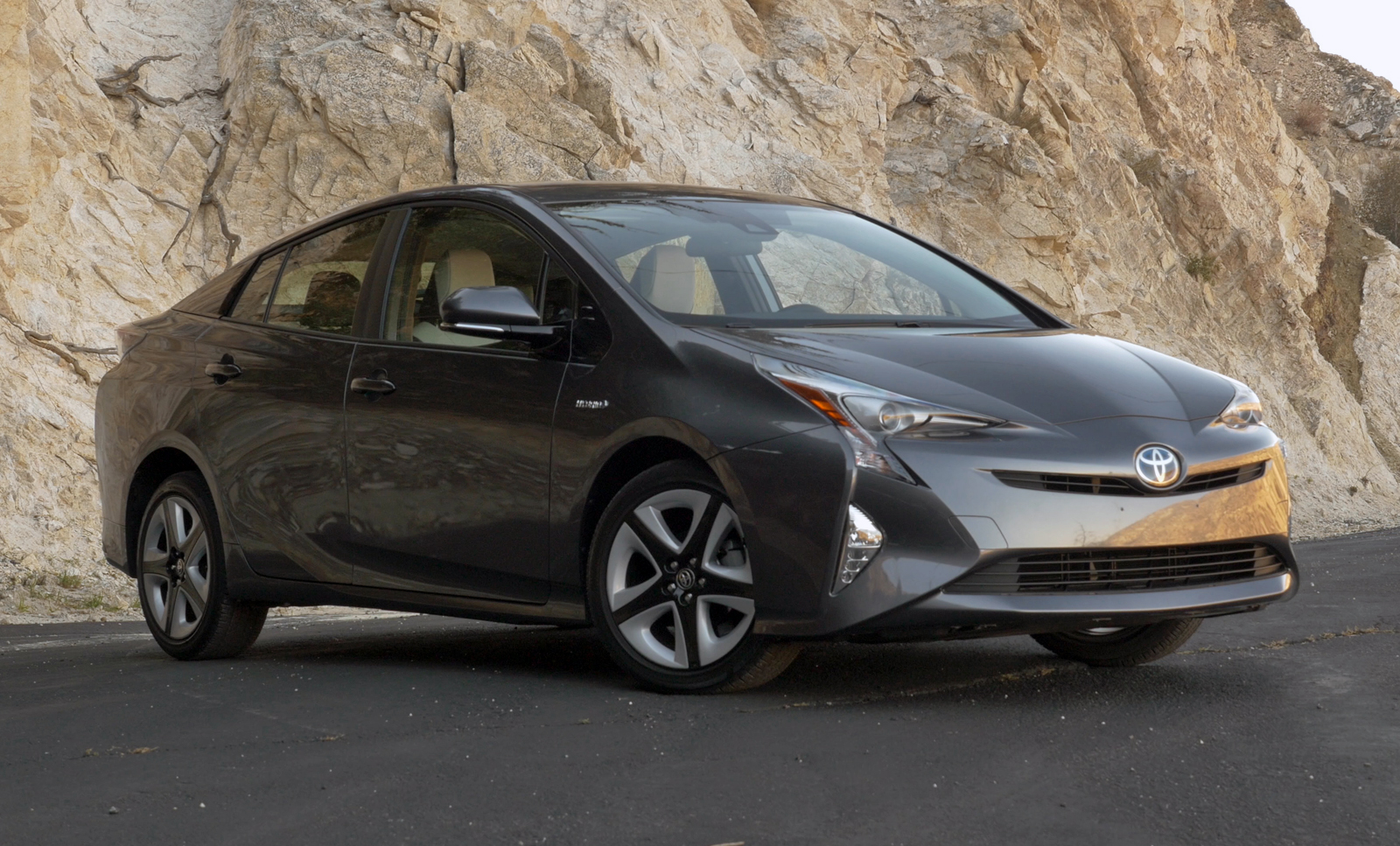 toyota prius 2016 car of the year nominee news. Black Bedroom Furniture Sets. Home Design Ideas