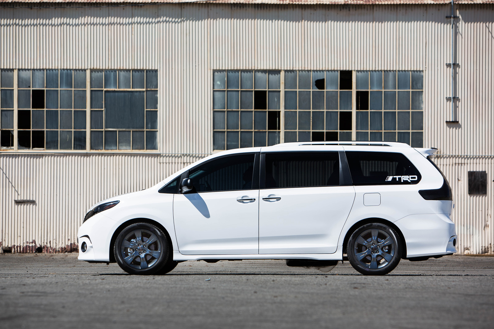 toyota sienna one lap of america 13