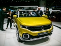 Volkswagen T-Cross Breeze-1