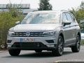 volkswagen-tiguan-lwb-spy-photos-02
