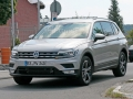 volkswagen-tiguan-lwb-spy-photos-03