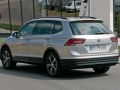 volkswagen-tiguan-lwb-spy-photos-10