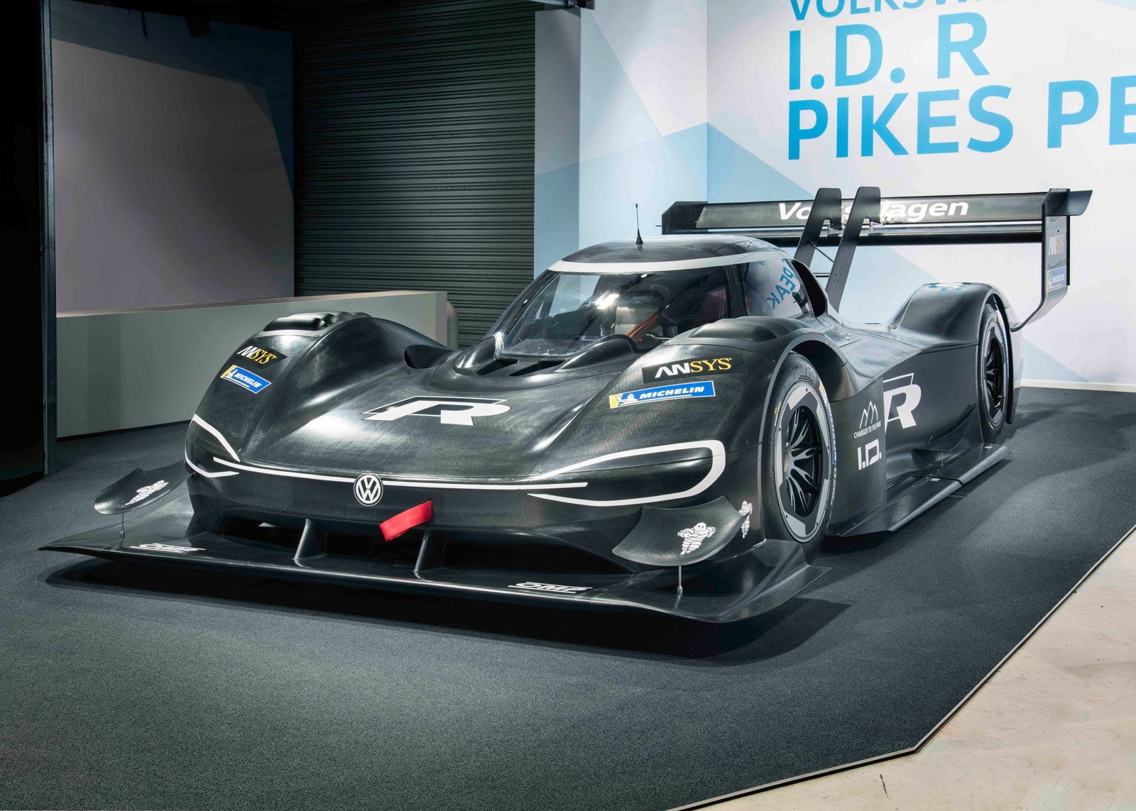 VW I.D. R Is A Fully Electric Race Car With 680 HP