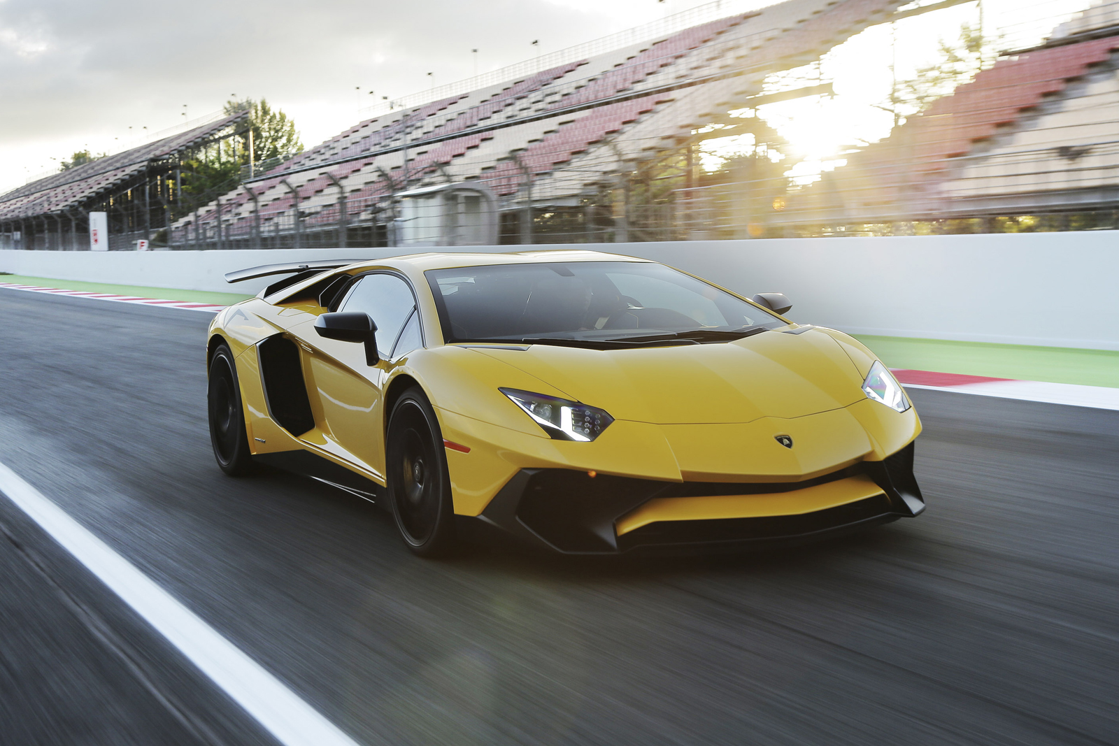 5 Cars Faster and Slower than the 2018 Porsche 911 GT3 at the ...