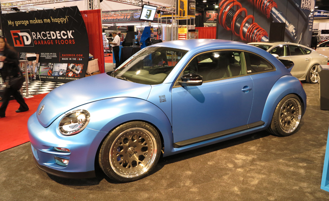 Volkswagen Beetles Swarm The SEMA Show AutoGuidecom News - Vw car show las vegas