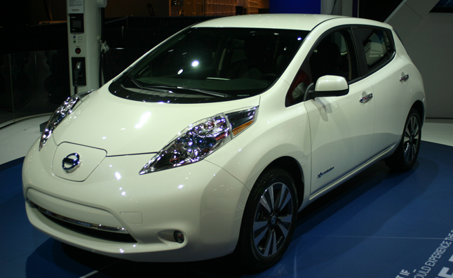 Just Unveiled At The 2013 Detroit Auto Show, The 2013 Nissan Leaf Hit The  Floor With Minimal Physical Changes, But A Big Cut In The Price Tag: $6,000  To Be ...