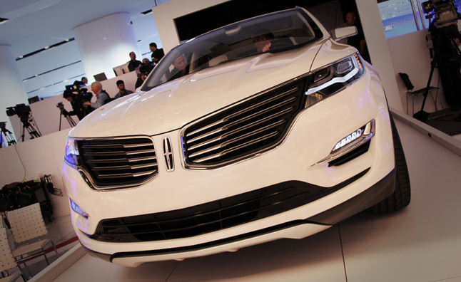 Lincoln MKC Crossover Concept Debuts at 2013 Detroit Auto Show ...