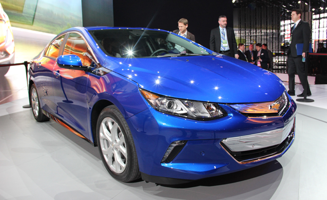 2016 Chevy Volt Bows With 50 Mile Electric Range