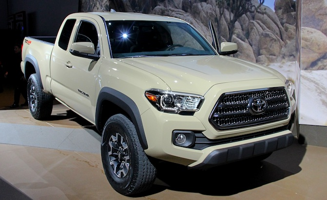 New Toyota Tacoma >> 2016 Toyota Tacoma Bows With New Powertrains In Detroit Autoguide