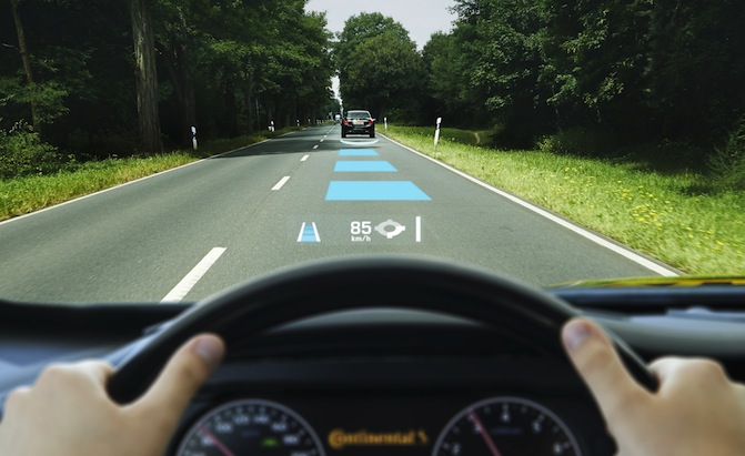 Top 10 Best Head Up Displays for Cars - AutoGuide com
