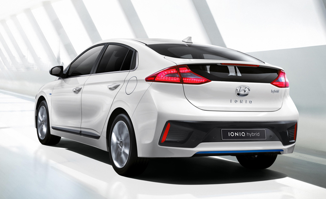 2017 Hyundai Ioniq 4 Things You Need To Know About The New Hybrid