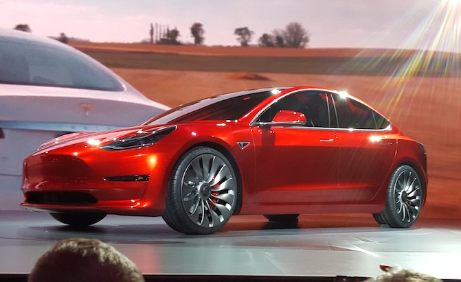 Awd Tesla Model 3 Will Be Available Early Next Year