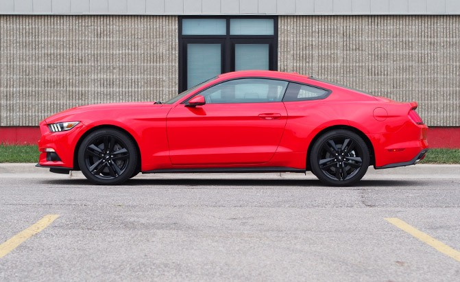 2016 Ford Mustang EcoBoost Fastback Premium