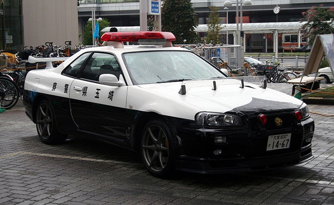 Japan S Awesome Nissan Skyline Police Car Spotted In The Wild