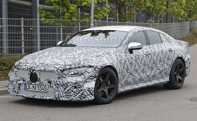 2019-mercedes-amg-gt4-spy-photos-09-copy