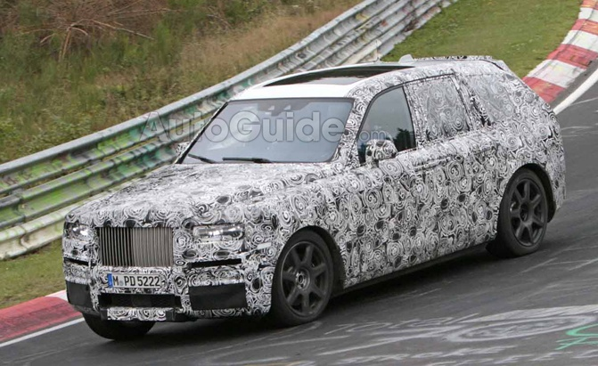 rolls-royce-cullinan-spy-pix-008-copy_edited-1