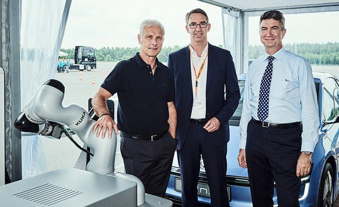 volkswagen kuka collaboration