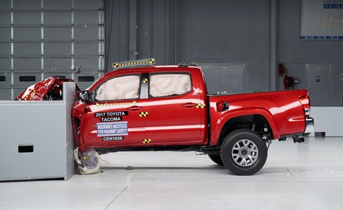 2017 toyota tacoma iihs crash test main