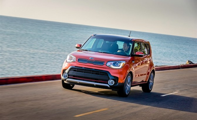 Elegant 2018 Kia Soul, Sportage Receive Best Possible IIHS Safety Rating