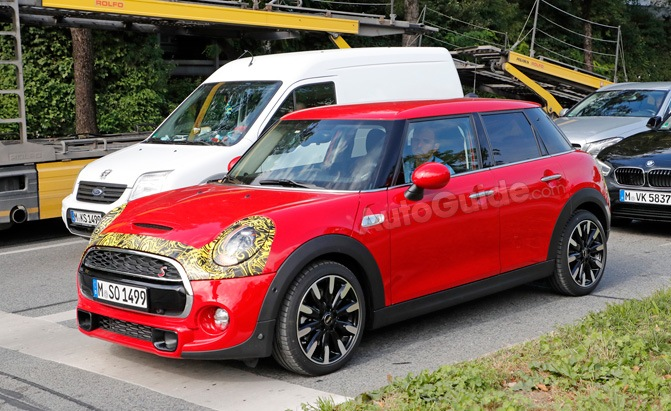 mini cooper five door facelift spy photos