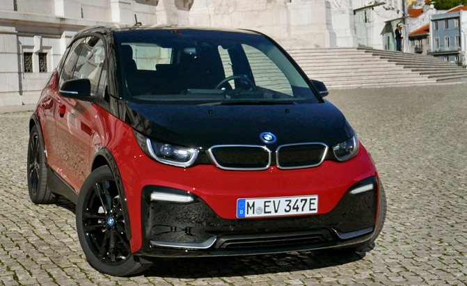 2018-BMW-i3s-review--photo-Benjamin-Hunting-AutoGuide00014