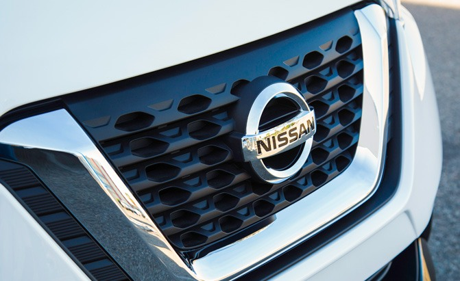 nissan kicks badge