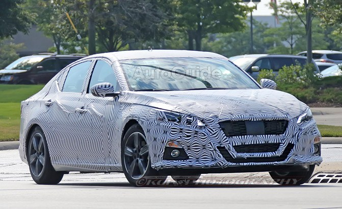 2019 nissan altima spy photo