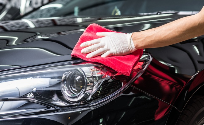 Here are the best car detailing kits we could find for all your spring car cleaning needs.