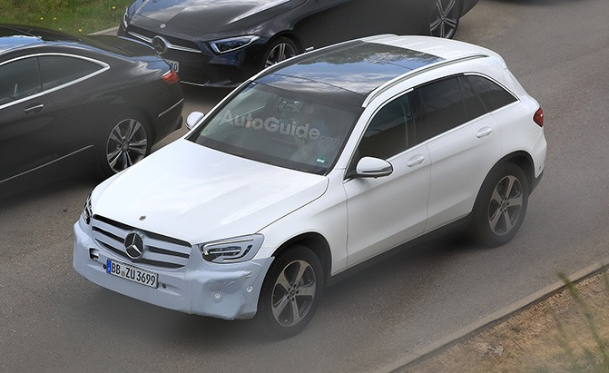 mercedes-benz glc facelift spy photos