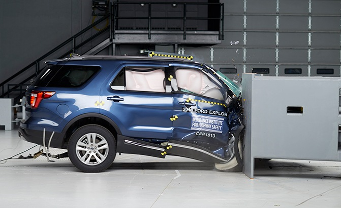 2018 ford explorer iihs crash test