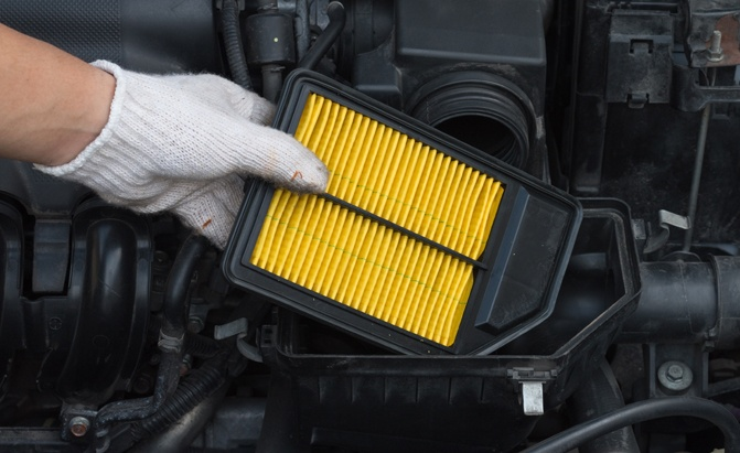 How to Change an Engine Air Filter