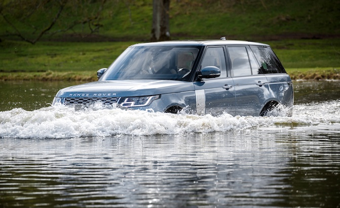 Range Rover P400e Added to Lineup for 2019