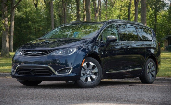 7 Things to Know About the Chrysler Pacifica Hybrid