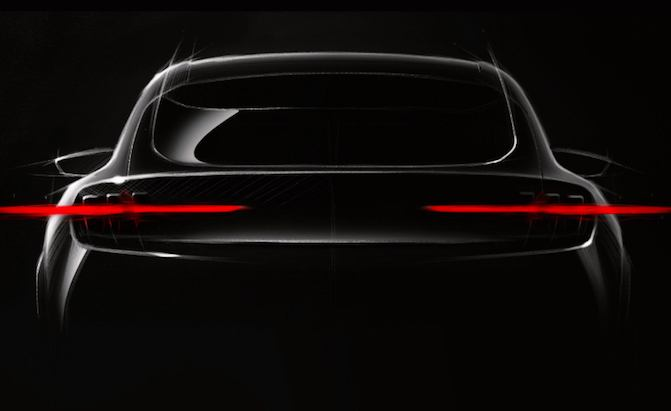 Ford-Crossover-Mustang-Mach-1-Teaser