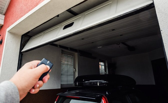 Buyers Guide Top 5 Best Garage Door Openers Autoguide