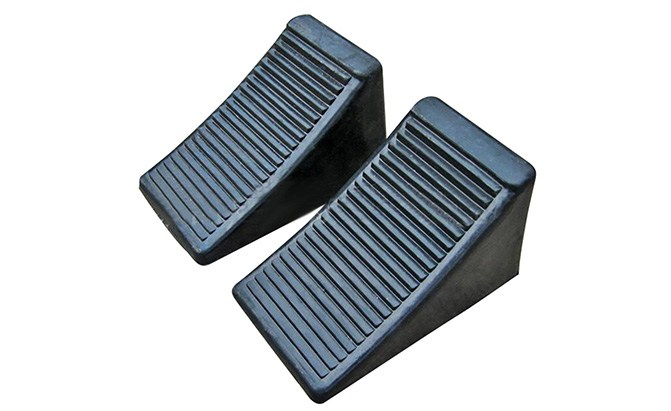 fasmov solid rubber heavy duty wheel chock 2-pack