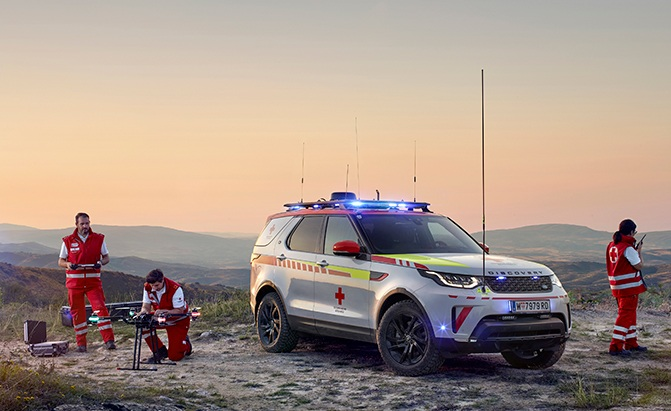 land rover discovery red cross