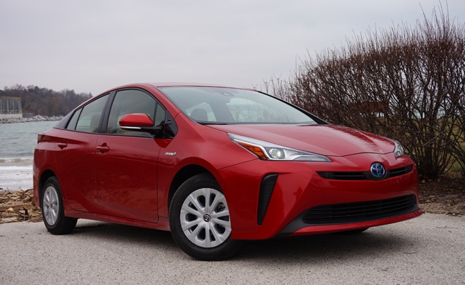 The Por And Pioneering Toyota Prius Got An Important Refresh For 2019 Model Year That Toned Down Some Of Controversial Styling To Make It More