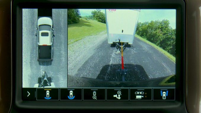 Part of the Advanced Trailering System, Hitch Guidance with Hitch View adds dynamic backing guidelines to the Rear Vision Camera system to help customers line up their hitch.