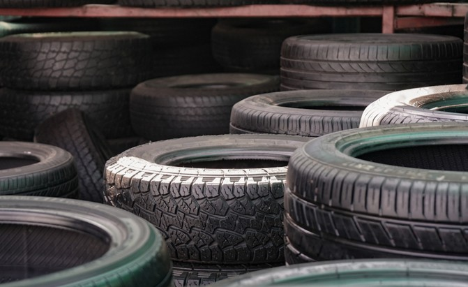 is it safe to buy use tires