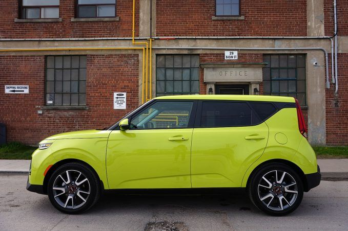 2020 Kia Soul Review-side profile